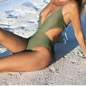 Full piece swim suit